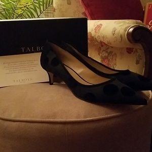 Size 11 Talbots black Erica new kitten heel shoes.